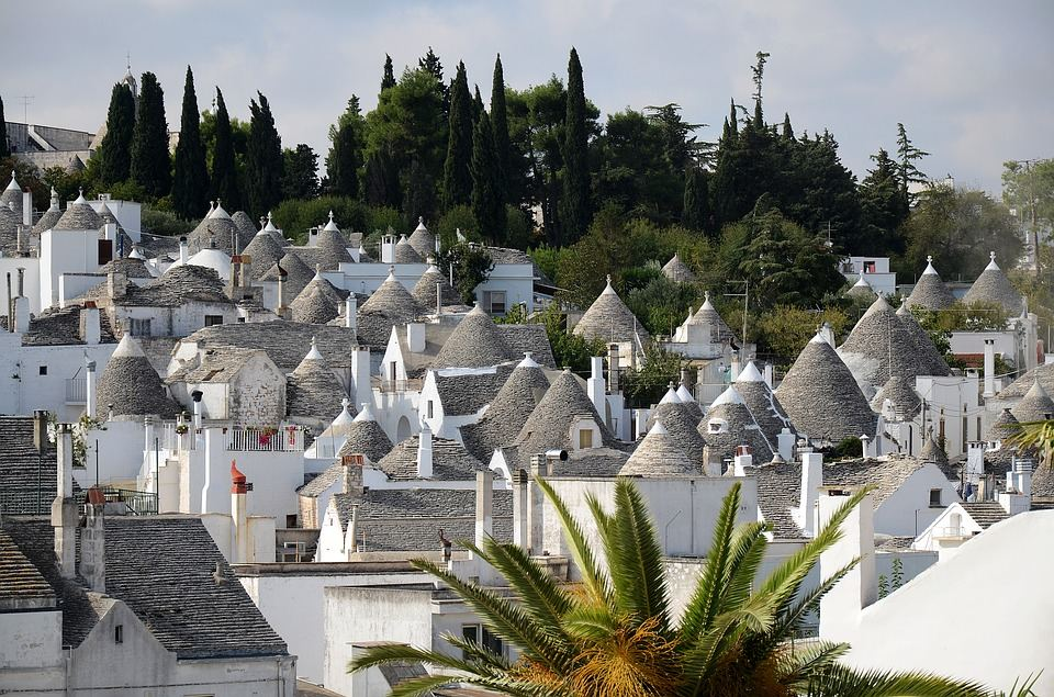 Italy, white houses, Trulli